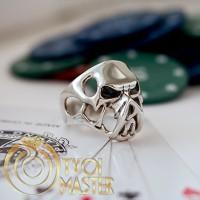 Кольцо с черепом ХИЩНИКА